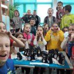 Papierowe pingwiny i uczniowie klasy II b