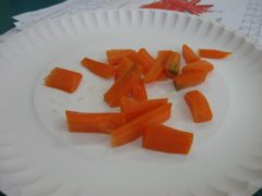Pokrojona na małe kawałki marchewka