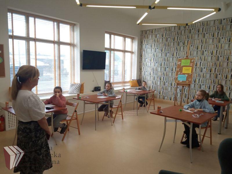 konkurs ortograficzny w Bibliotece Miejskiej Oddział dla Dzieci w Grajewie